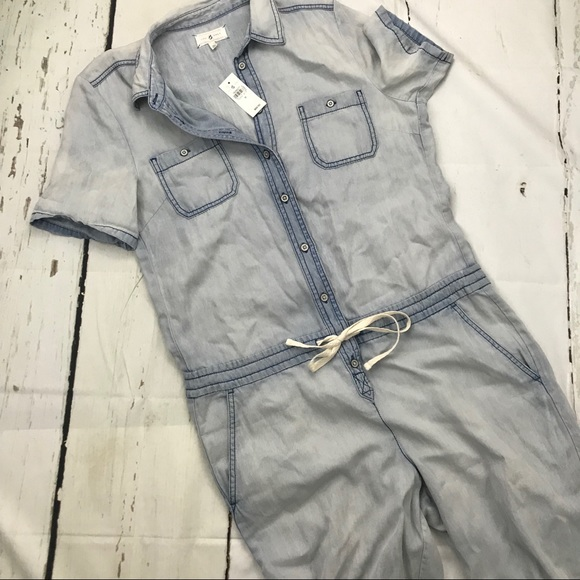 121d0dffe50a NWT Lou   Grey Chambray Short Sleeved Jumpsuit